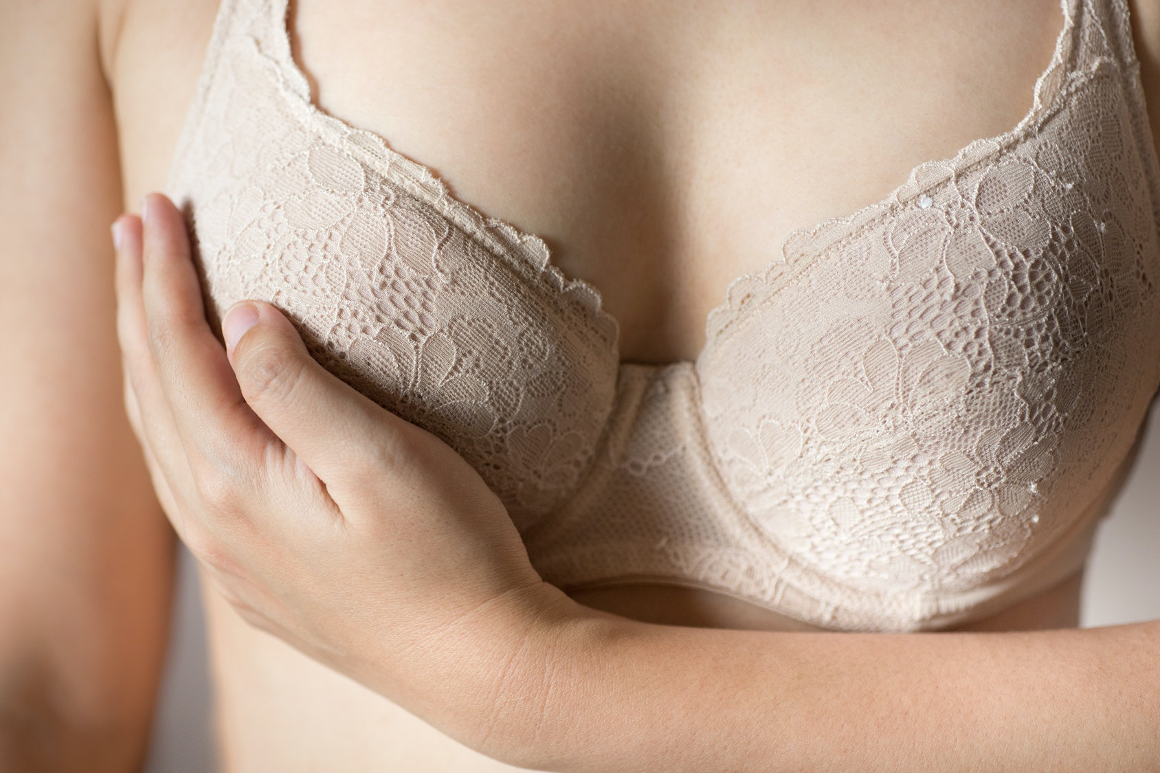 0e6ce9b1f 15 Interesting Physical Signs You re Wearing The Wrong Bra