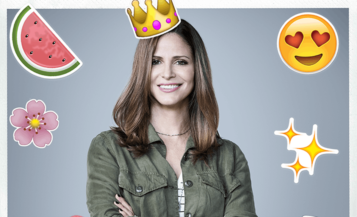 In The Bustle Booth With Andrea Savage