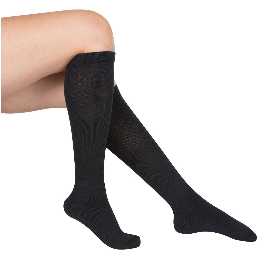 new style 5c84e 323f6 The 9 Best Moisture Wicking Socks For Women That Keep Your Feet Cool