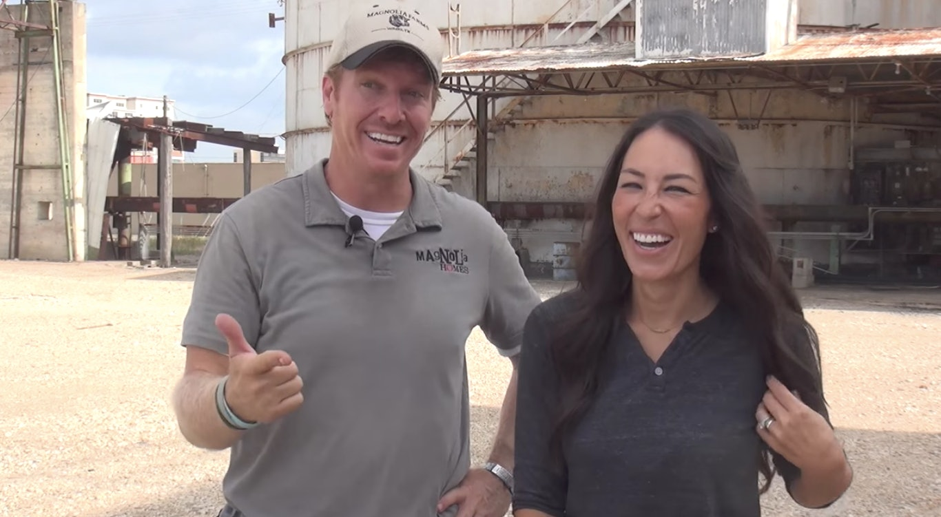 fixer upper hosts fabulous ufixer upperu host announces