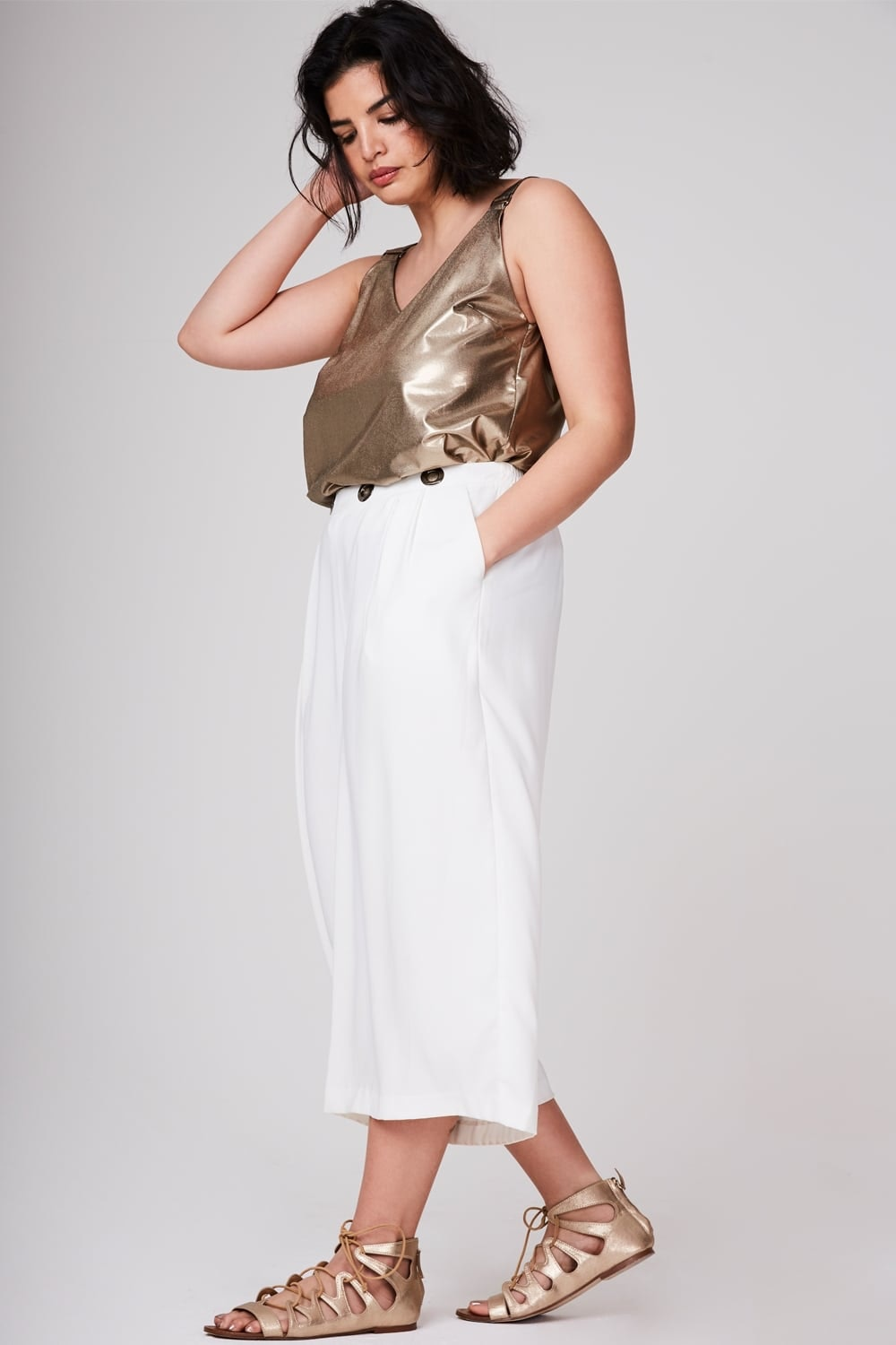 584da06901 37 Plus Size Cropped Wide Leg Pants That'll Make Your Summer To Fall  Transition A Breeze