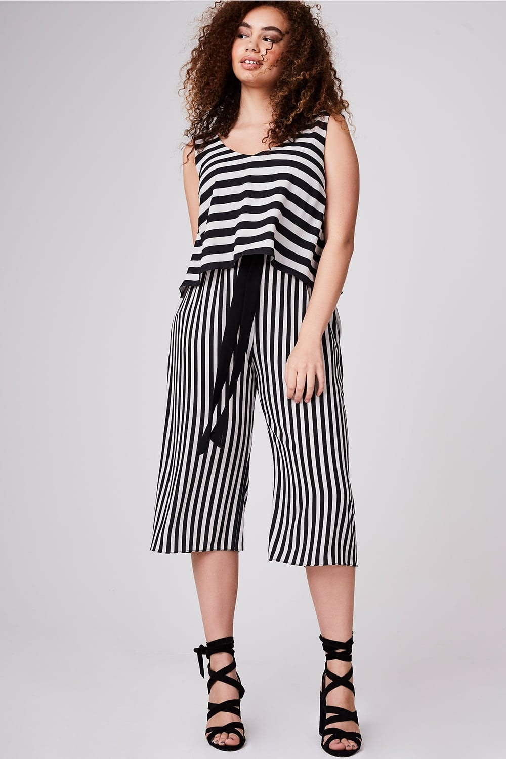 3bd5505510 45 Plus Size Minimal Jumpsuits For The Most Effortlessly Perfect Fall Look