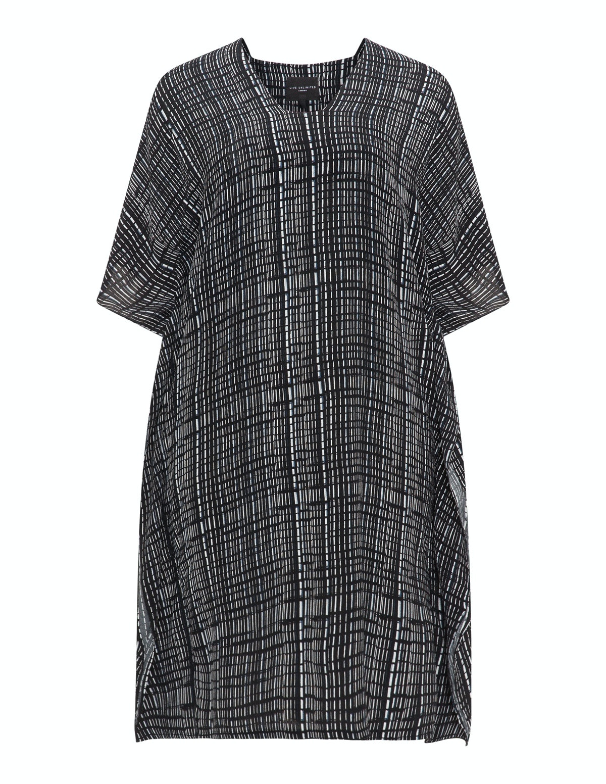 b20c2a67d23 29 Plus Size Caftans That Can Easily Transition Into Your Fall Wardrobe