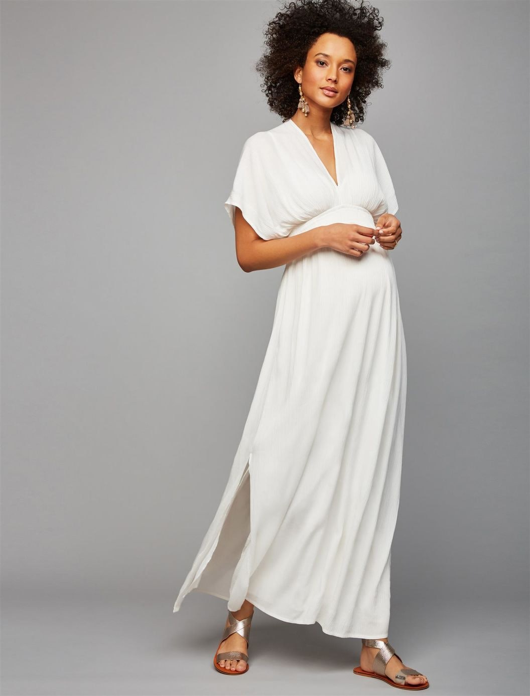5 u0027Star Warsu0027 Costumes For Pregnant Women That Are Perfect For A Galaxy Far Far Away  sc 1 st  Romper & 5 u0027Star Warsu0027 Costumes For Pregnant Women That Are Perfect For A ...
