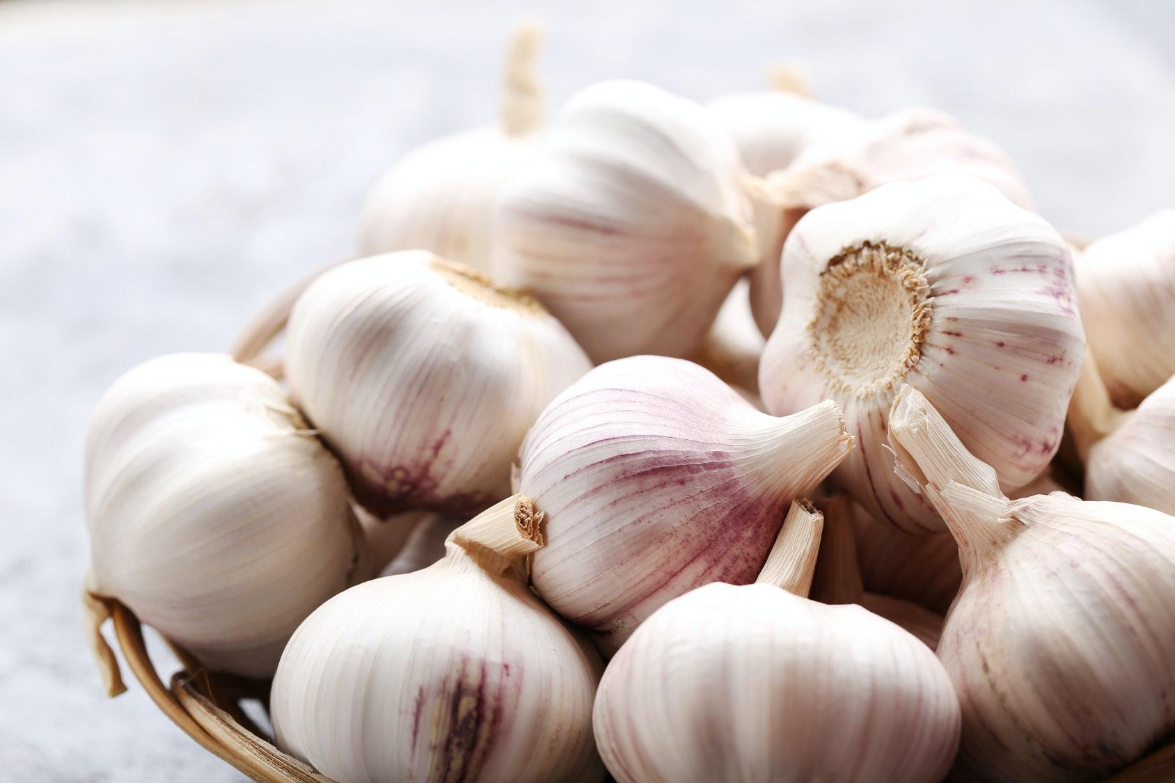 Garlic Has Major Health Benefits, Like Warding Off Acne