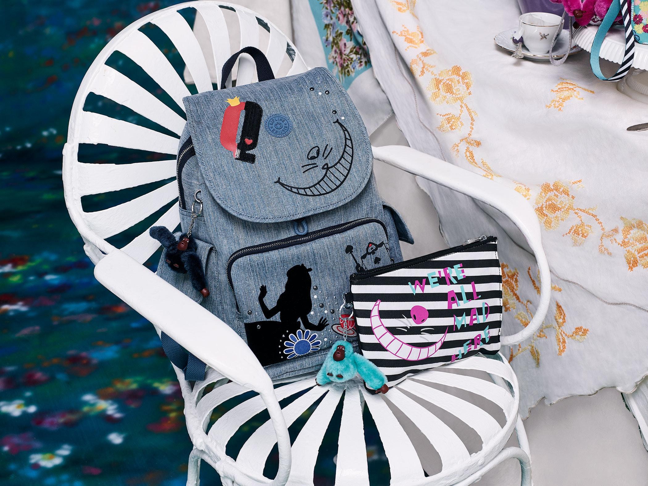 18050ed6df3 7799 KIPLING X DISNEY Alice In The Wonderland Ellettronico Pouch BLACK