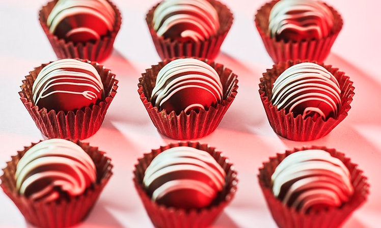 Why Do We Give Chocolate On Valentine\'s Day? Here\'s The History ...