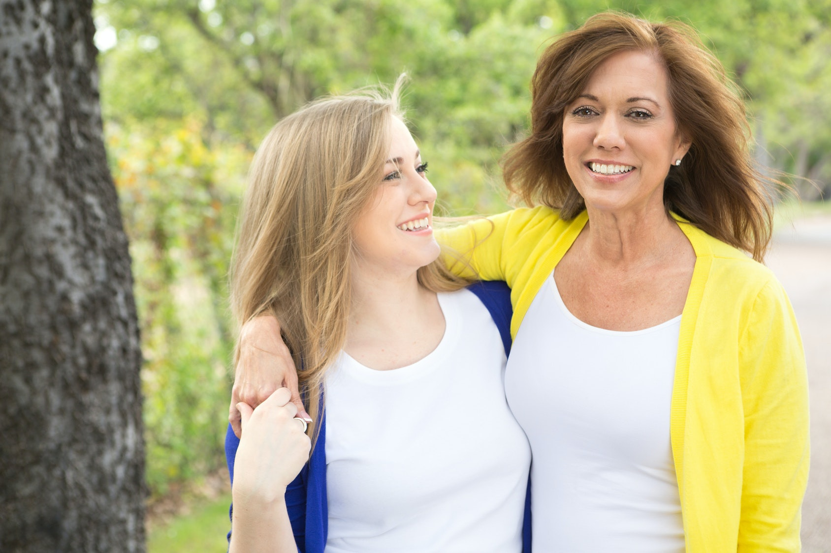 11 Surprising Signs Your Mom Is Toxic — And What To Do About It