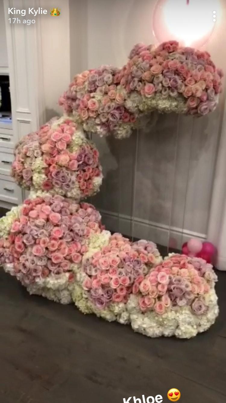 Who sent kylie 443 flowers travis scott might not be responsible who sent kylie 443 flowers travis scott might not be responsible for the gigantic arrangement izmirmasajfo